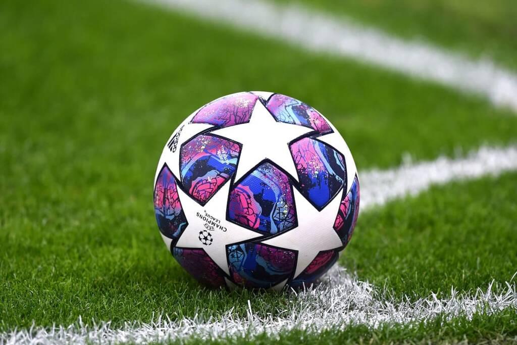 calcio pallone campo